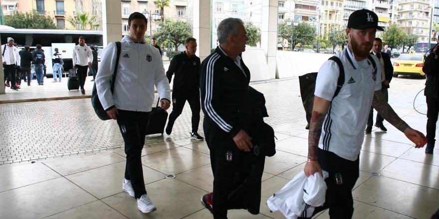 Beşiktaş'ı Atina'da yağmur karşıladı