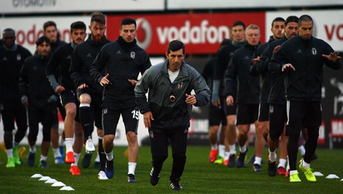 Beşiktaş son antrenmanla kampa girdi