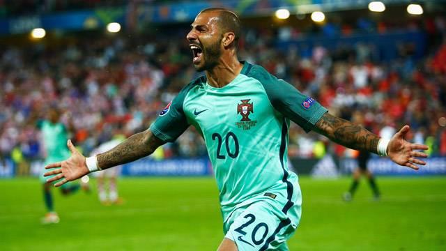 Quaresma oynuyor, Portekiz kazanıyor