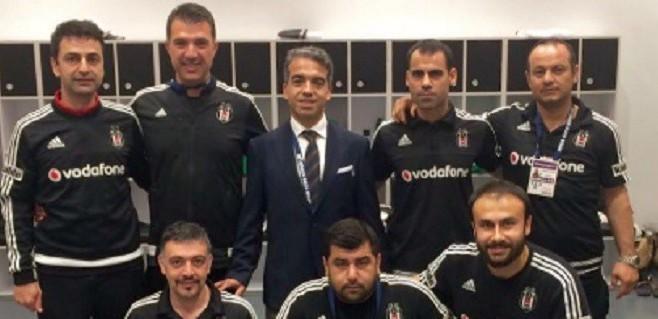 Beşiktaş'ın doktoru meslekte 25 yılı kutladı