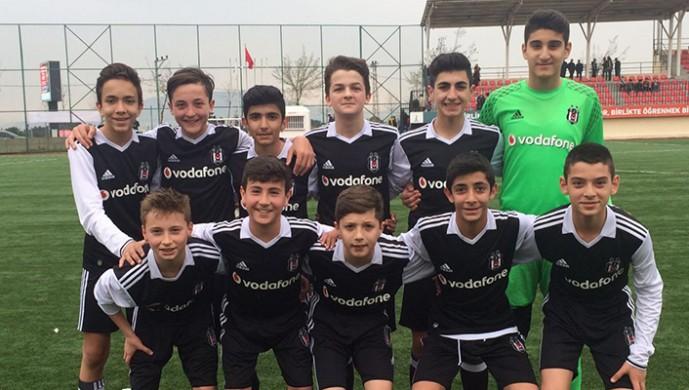 Beşiktaş U-13'ten gol yağmuru