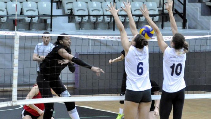 Beşiktaş, Sarıyer ile oynadı