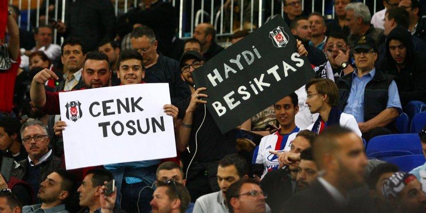 Lyon'da 'bağırmayan' Beşiktaşlılara eleştiri