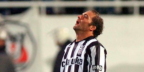 Eski Beşiktaşlı aşırtma goller ile adından söz ettiriyor (VİDEO)