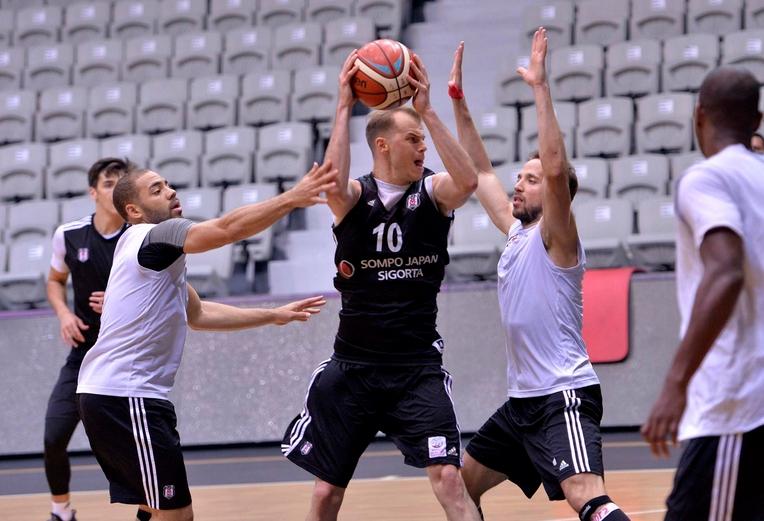 Beşiktaş'ta 2 eksik