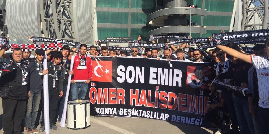 Beşiktaşlılar şehit Ömer Halisdemir'ı unutmadı
