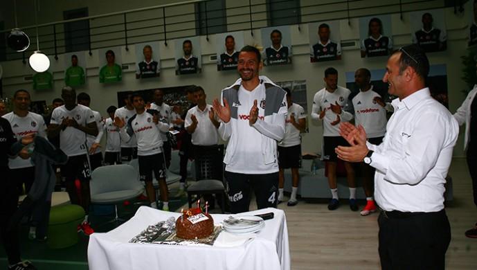 Ersan Gülüm'ün doğum günü kutlandı