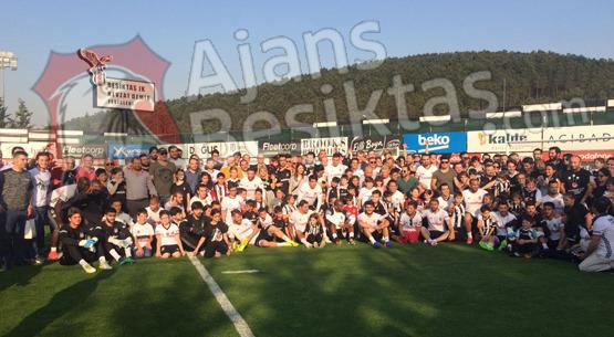 Beşiktaş antrenmanına taraftar akını