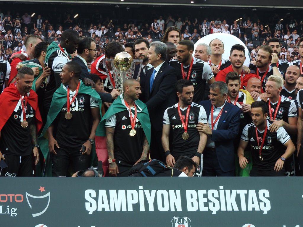Beşiktaş kupasına kavuştu!