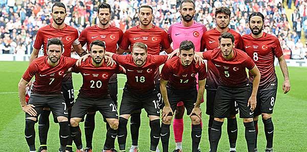 Milliler'in muhtemel 11'i belli oldu! Beşiktaş'tan tek isim...