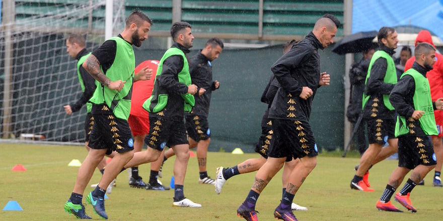 Napoli maça hazır. Hamsik idmanda