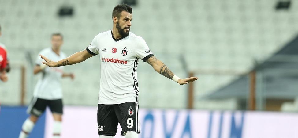 Beşiktaşlı oyuncular,  Negredo'yu doğum gününde yalnız bırakmadı!