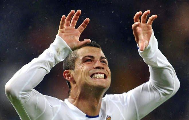 """Cristiano Ronaldo'dan oğluna: """"Beşiktaş'ta kim oynuyor?"""""""