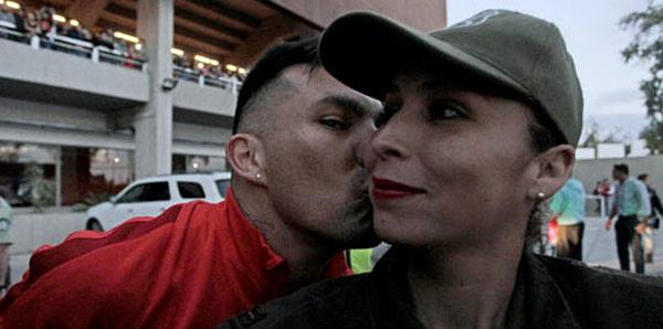 Gary Medel'den öpücük!