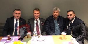 Mircea Lucescu ve Fikret Orman karşılaşmayı beraber takip ediyor!