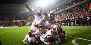 TARİHTE BUGÜN | Beşiktaş, üst üste ikinci kez şampiyon!