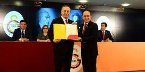 """Galatasaray Başkanı Mustafa Cengiz """"İnşallah Beşiktaş gibi...""""."""