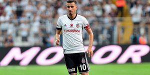 Newcastle taraftarı, Oğuzhan'ı Beşiktaş'ın transfer sloganıyla çağırıyor