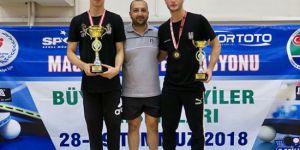 Beşiktaş Masa Tenisi Takımı oyuncularından derece