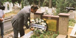 Fikret Orman'dan Ali Sami Yen'in mezarına ziyaret
