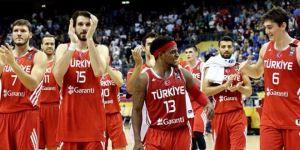 A Milli Basketbol Takımı'nda 3 isim kadrodan çıkarıldı