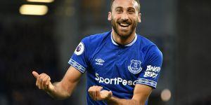 Cenk için Everton'la masaya oturuluyor