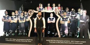 Sevilen oyuncu Beşiktaş Müzesi'ni gezdi