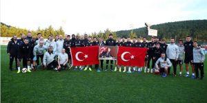 Beşiktaş Futbol Takımı Gazi Mustafa Kemal Atatürk'ü andı!
