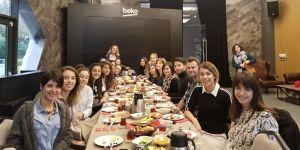 Beşiktaş Kadın Futbol Takımı, sponsoru Avon'un düzenlediği kahvaltıda bir araya geldi
