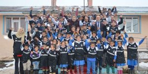 Beşiktaş'tan Ardahanlı çocuklara üç bin forma