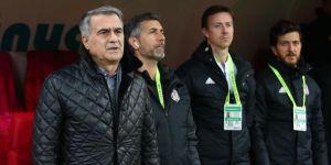 """Şenol Güneş'ten futbolcularına: """"Bu maçın şakası yok"""""""