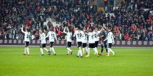 Yaşlı ve pahalı isimlere veda! Beşiktaş'ta yeni strateji ne olacak?