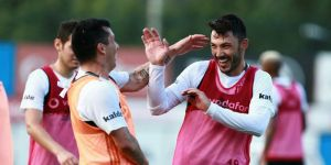 Beşiktaş'ta Adriano, Tolgay Arslan, Medel ve Love'a talip var