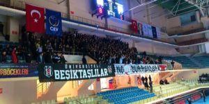 Beşiktaş, olaylı derbide Fenerbahçe'ye kaybetti