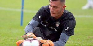 Beşiktaş, genç kalecisiyle profesyonel sözleşme imzaladı