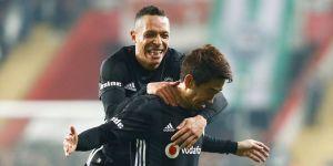Beşiktaş'ta Adriano gelişmesi!