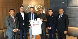 Fikret Orman, Asya Futbol Konfederasyonu Başkanı ile bir araya geldi