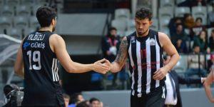 Beşiktaş Sompo Japan evinde Anadolu Efes'e mağlup oldu