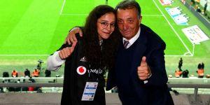 Vodafone Park'ta gol anonsu Buket Durmuş'tan
