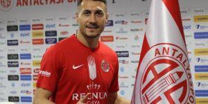Beşiktaş'ta Burak Yılmaz'ın yerine düşünülen isim Adis Jahoviç