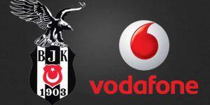 """En iyi pankartın sahiplerine Vodafone'dan """"kamp"""" ödülü"""