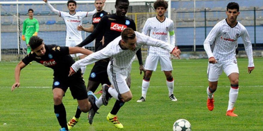Beşiktaş-Napoli U21 maçında olay